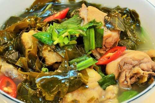 Lẩu gà lá giang mang hương vị miền Trung